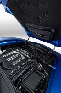 2015-Chevrolet-Corvette-Z06-Convertible-engine-03