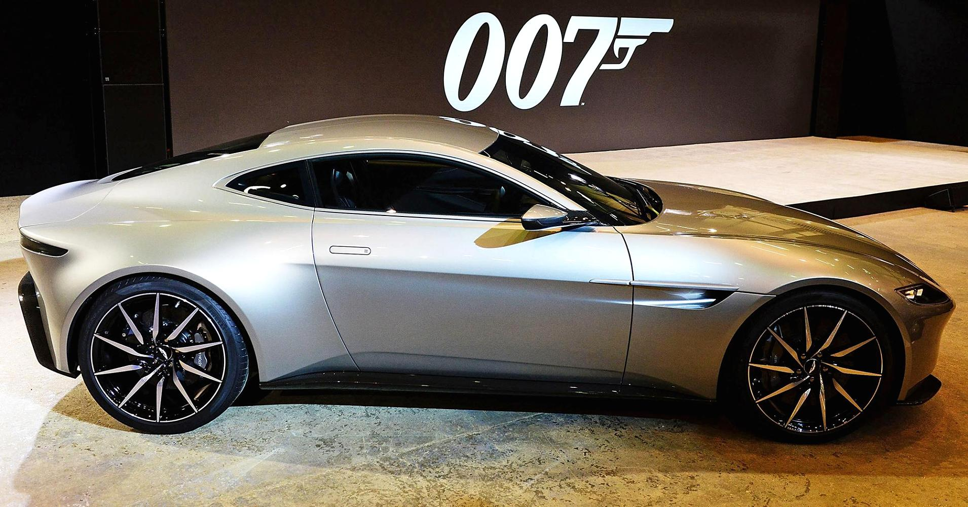 trending on net aston martin db10 featuring in james bonds new movie spectre. Black Bedroom Furniture Sets. Home Design Ideas