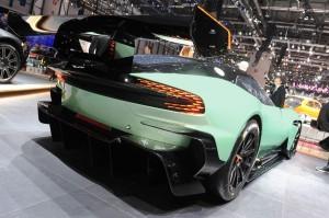 Aston-Martin-Vulcan-fotoshowImage-525c699d-233551