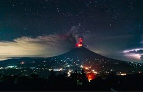 Mount Agung volcano erupts in Bali after more than 50 years