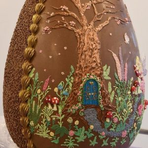Chocolate Giant Cadbury World has unveiled a 38kg Easter egg that is just equal to 844 bars of Dairy Milk